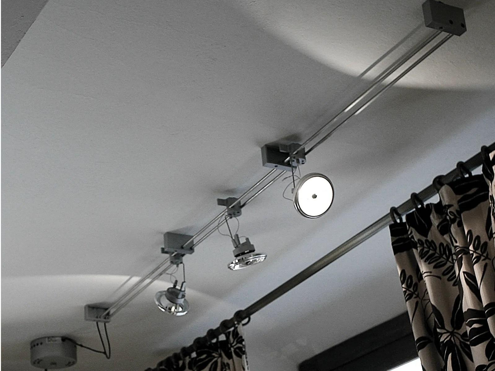 Luci su binario illuminazione su cavo elettrificato con luci su