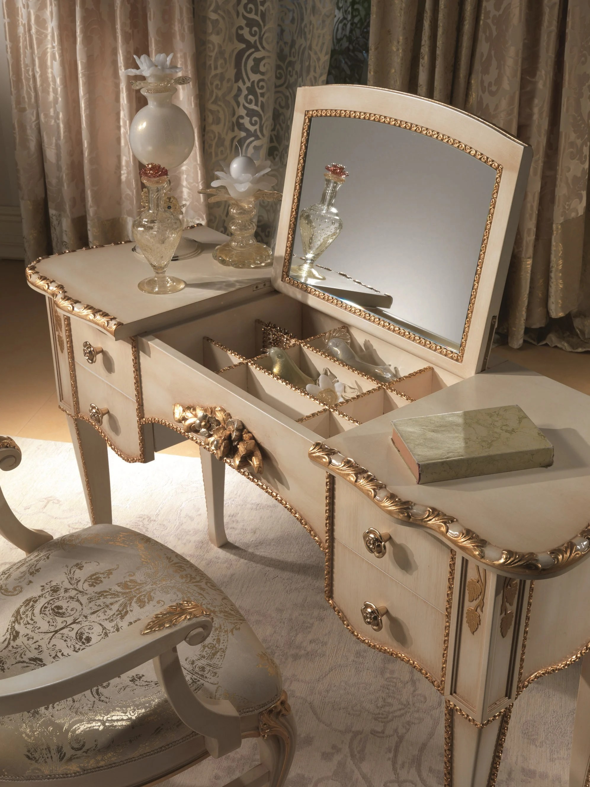 Small Gold Mirror Set Vanity Dressing Table By Carpanelli Classic