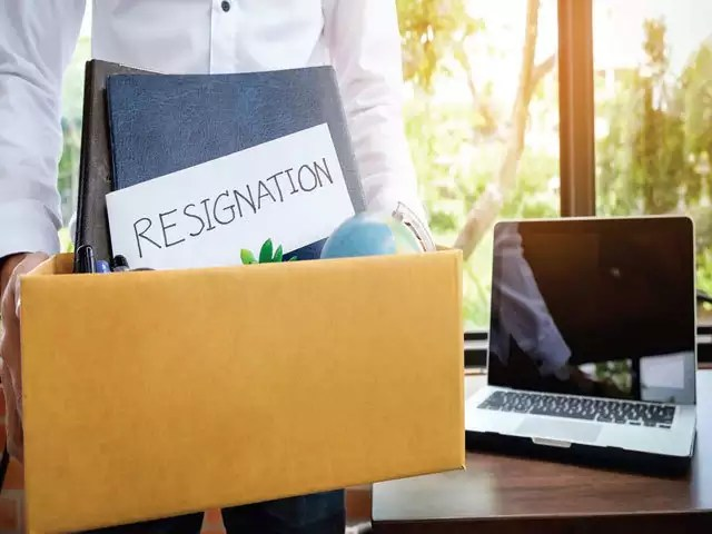 Job 7 right reasons to leave your job and when not to quit