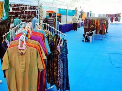 Madura Fashion apologises to KVIC over use of 'Khadi ...