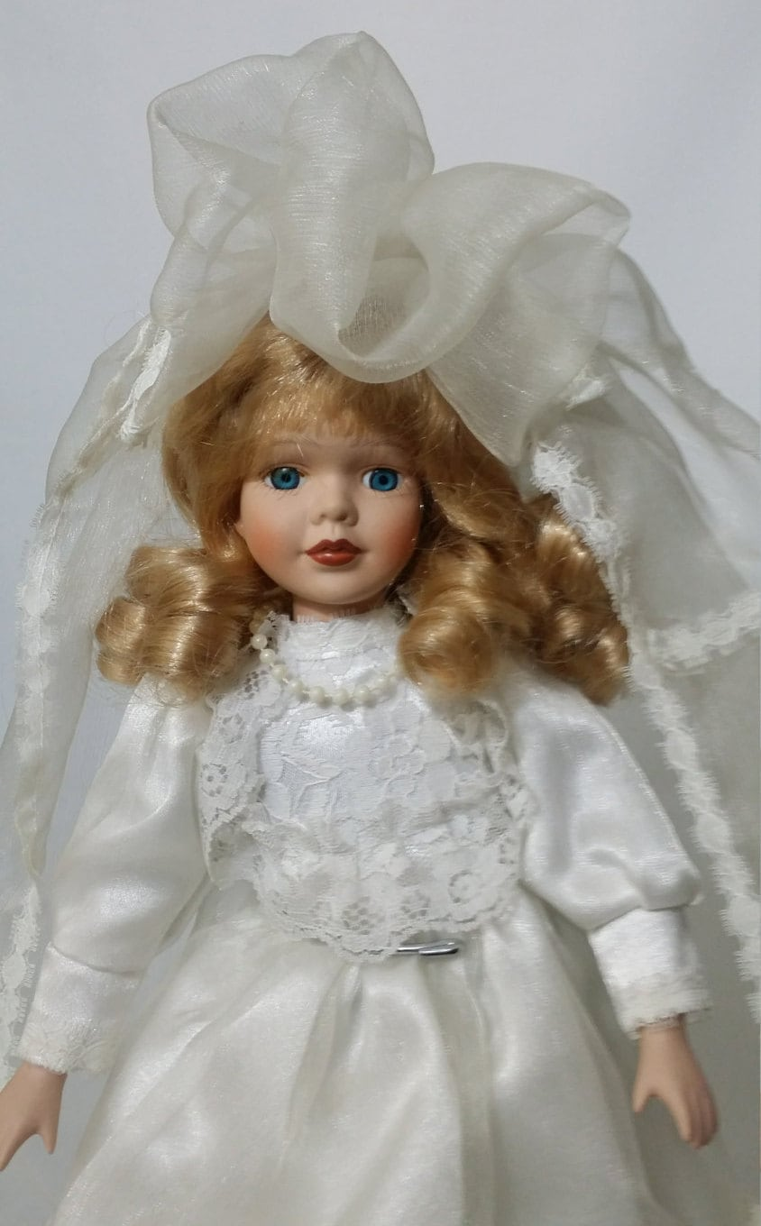 Rona Moving Boxes Rona Haunted 14 Porcelain Bride Doll Paranormal Suicide