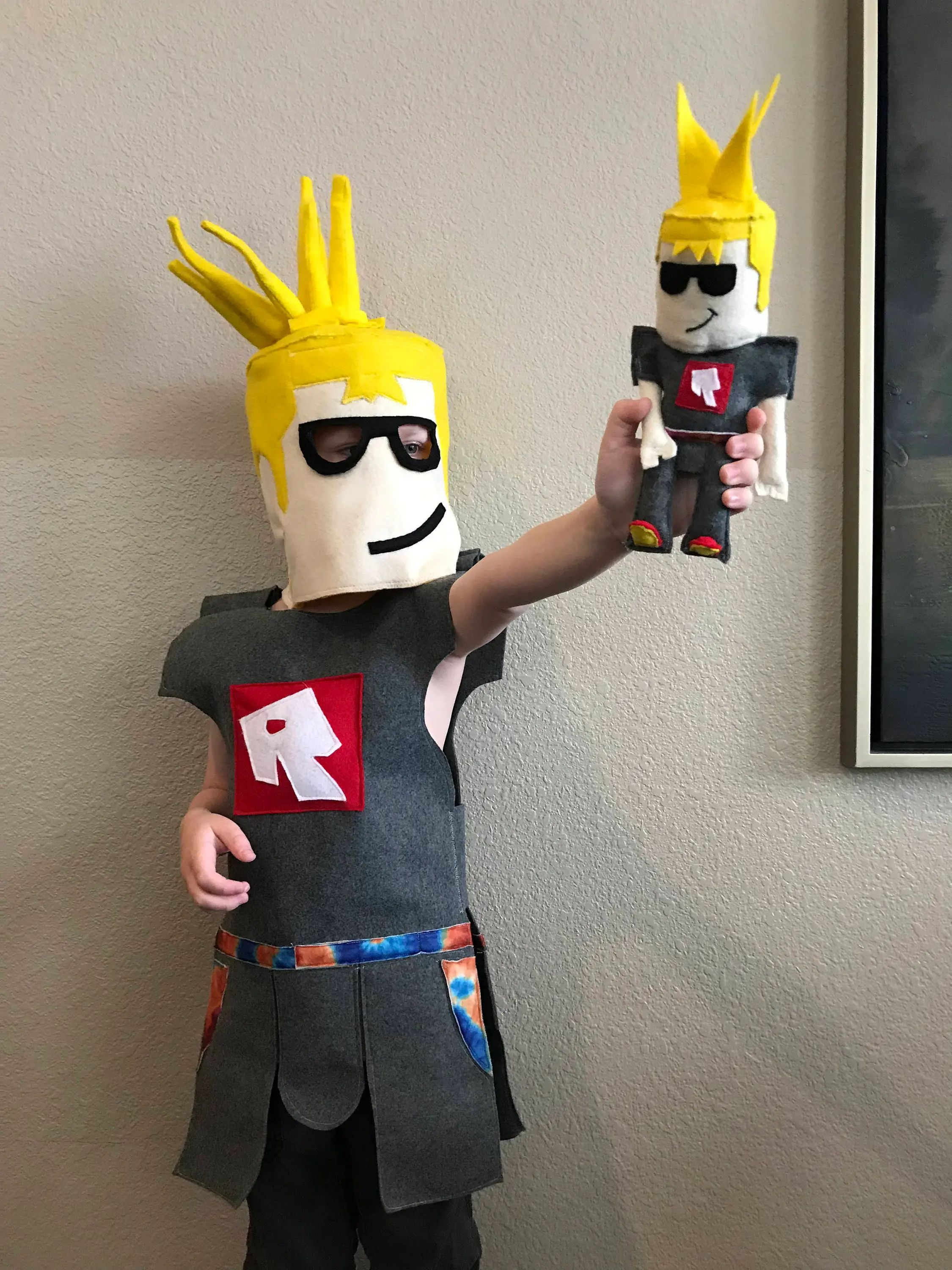 how to make your own roblox skin