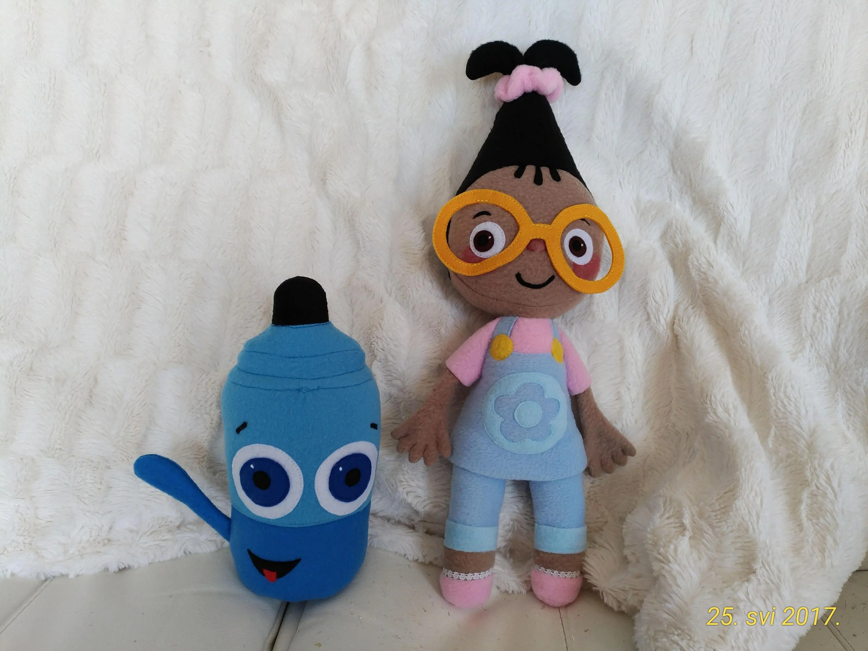Plush Toys Just Like Mona And Sketch Babytv