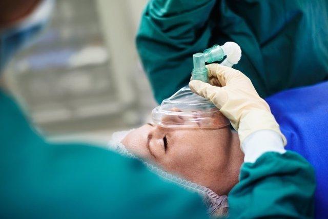 La anestesia general hace más que dormir a los pacientes