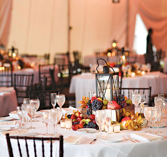 28 Round Table Centerpieces (in Different Styles) - EverAfterGuide - wedding reception round tables