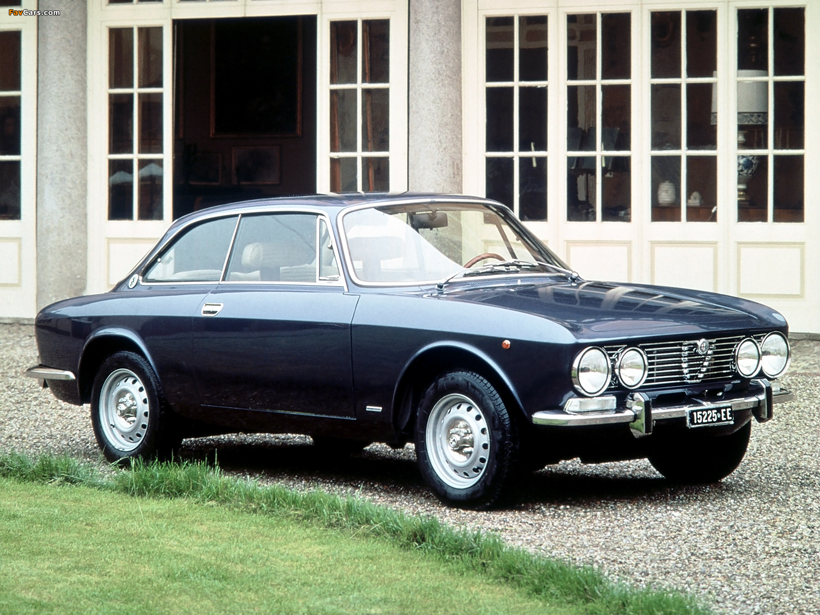 All Car Wallpaper Download Photos Of Alfa Romeo 2000 Gt Veloce 105 1971 1976