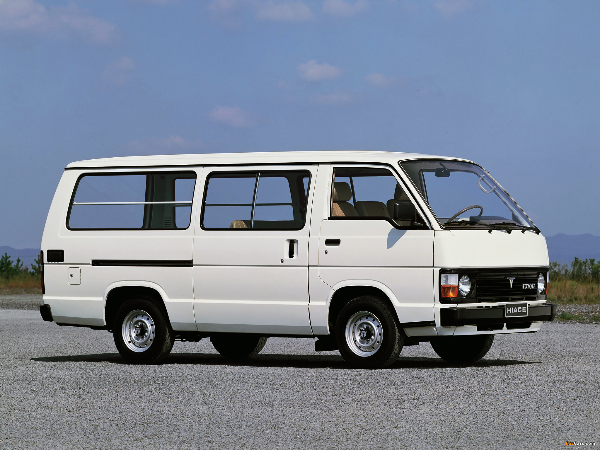 2048x1536 Car Wallpapers Toyota Hiace Combi 1982 89 Pictures 2048x1536