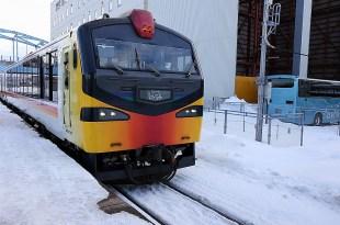 【一個人旅行】一天搭到冬季限定的烤魷魚暖爐列車&日本海側的絕美鐵道線:五能線🚃🚈