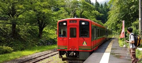 夏。福島元氣之旅🌳濃濃在地味的會津鐵道&可愛茅草屋車站「湯野上溫泉」🚞