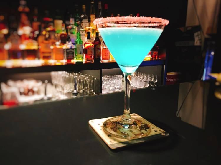 ROUND 4 Bar 》 台北中山國中捷運站酒吧   Zhongshan District Bar