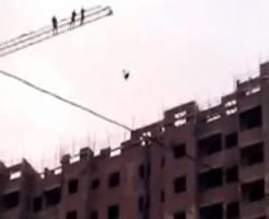 【閲覧注意】自殺志願者の飛び降り自殺映像