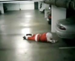 【おもしろ動画集:馬鹿】酔っ払ったサンタが発見される!?多分本物w