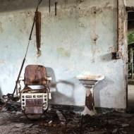 【閲覧注意】精神病院の廃墟画像がハンパない・・・【画像19枚】