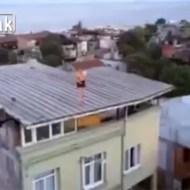 【自殺】薬漬けの男性が屋上から羽ばたく一部始終