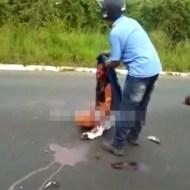 【超閲覧注意】半分になった夫と動かない子供を前に泣き崩れる血塗れの妻・・・