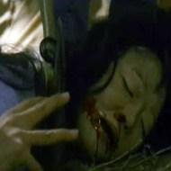 【超閲覧注意】群衆に激しく暴行され頭を斧でカチ割られて息絶える女の子