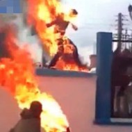 【焼身自殺】火だるま状態で他人に近づいたら皆して逃げるんだが・・・
