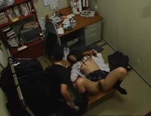 【JK流出】用務員室に援助●際しに来るJKwその流出映像がこれwww