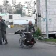 【マジキチ】イスラエル軍:10代少女射殺→助けようとした車椅子の人→ひっくり返す ※衝撃映像
