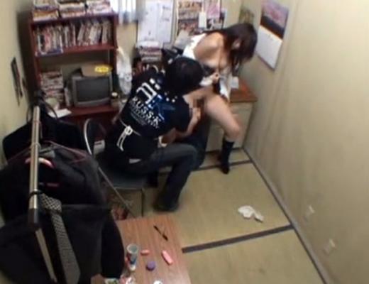 【JKレ●プ】万引きしてしまったJKが店長に凌辱される末路www