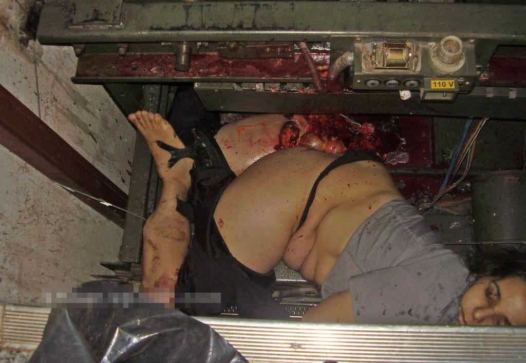 【女 死体】エレベーター事故で「くぁwせ・・・ry」になった女の子・・・ ※グロ画像