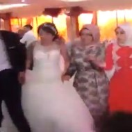 【衝撃映像】これは演出ではない。繰り返す、これはえn・・・ry 結婚式中でもテロが発生するイスラム教徒の結婚式映像