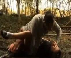 【JK レ●プ】学校帰りに連れ去られた女子校生が山奥で種付けされとる・・・ ※動画
