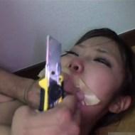 【無修正 レ●プ】一人暮らしの女がストーカーにつけられて自宅でレ●プされる現場はこんな感じ ※動画