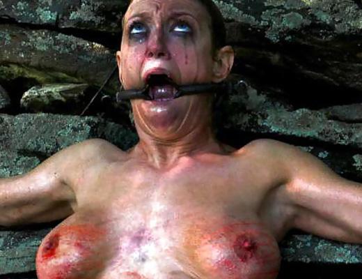 【奴隷】お金持ちの変態セレブに買い叩かれて性奴隷にされた女のその後・・・これは自殺待ったなしですわ・・・。