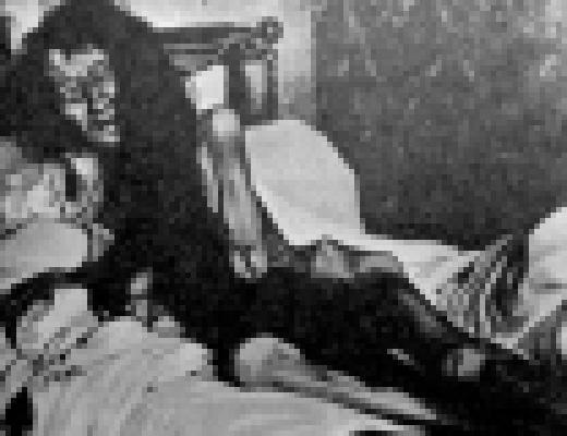 【グロ画像】25年間も暗い部屋で過ごした女が人間じゃないナニカに進化しようとしていた・・・