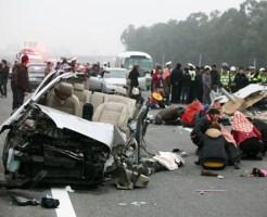 【閲覧注意】高速で事故したら絶対に外に出てはいけない・・・その証拠がコレ