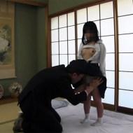 【近親相姦】J○?の娘に性処理させる鬼畜の父親。腰を必死に振る光景を撮影まで…