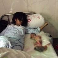 【キチガイ】10歳の少女が赤ちゃんを25階から放り投げて殺す事件が発生。エレベーター内の映像怖すぎ