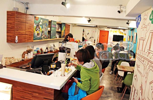 [新北] MOMOCAT摸摸貓咖啡館,點貓咪附下午茶?(葷素