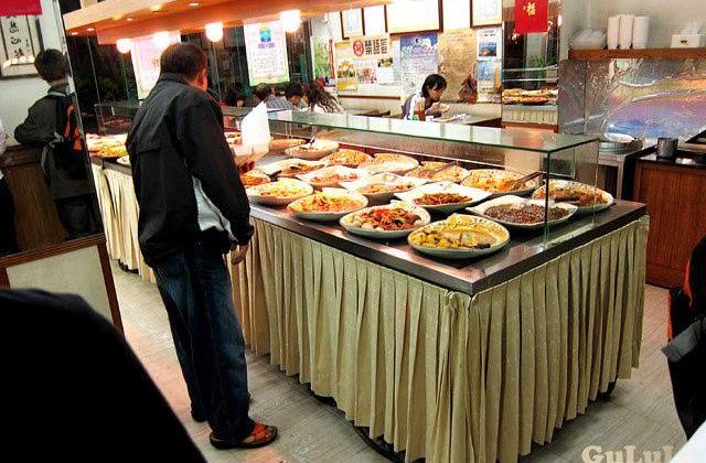 【新北】板橋.天橋下自助餐.靈泉素食(已歇業