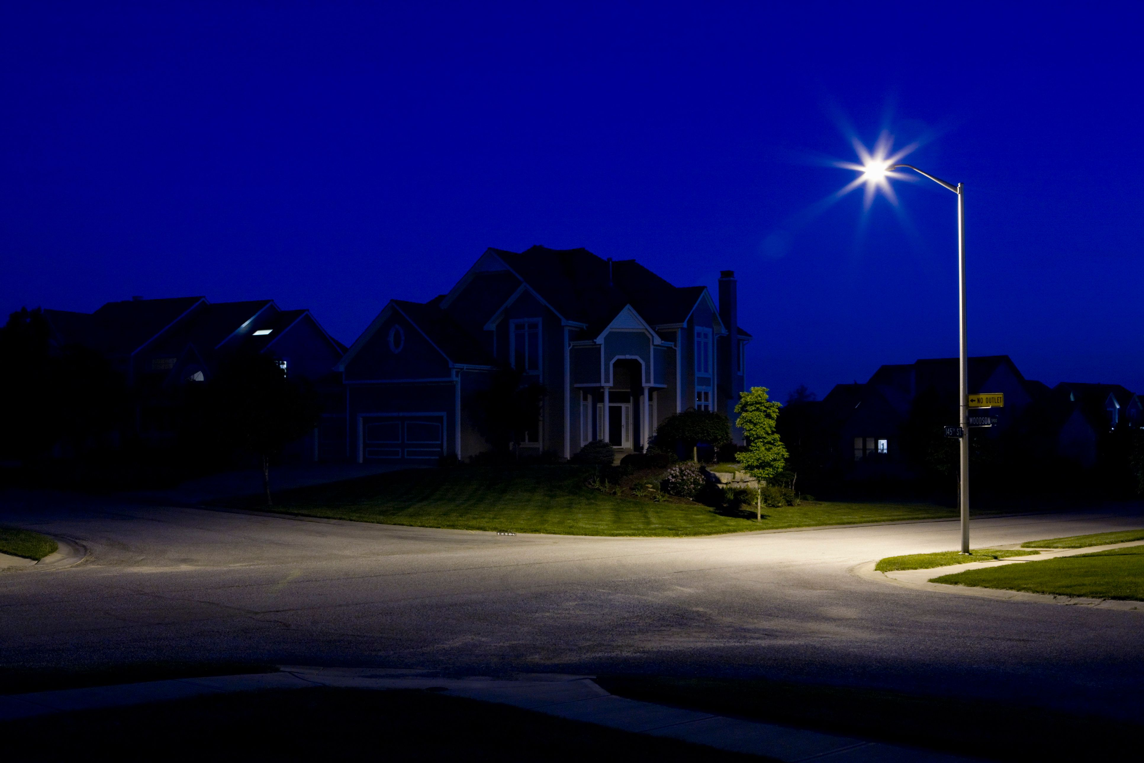Led Lights Bad Health These Streetlights Are Great For The Planet But Horrible