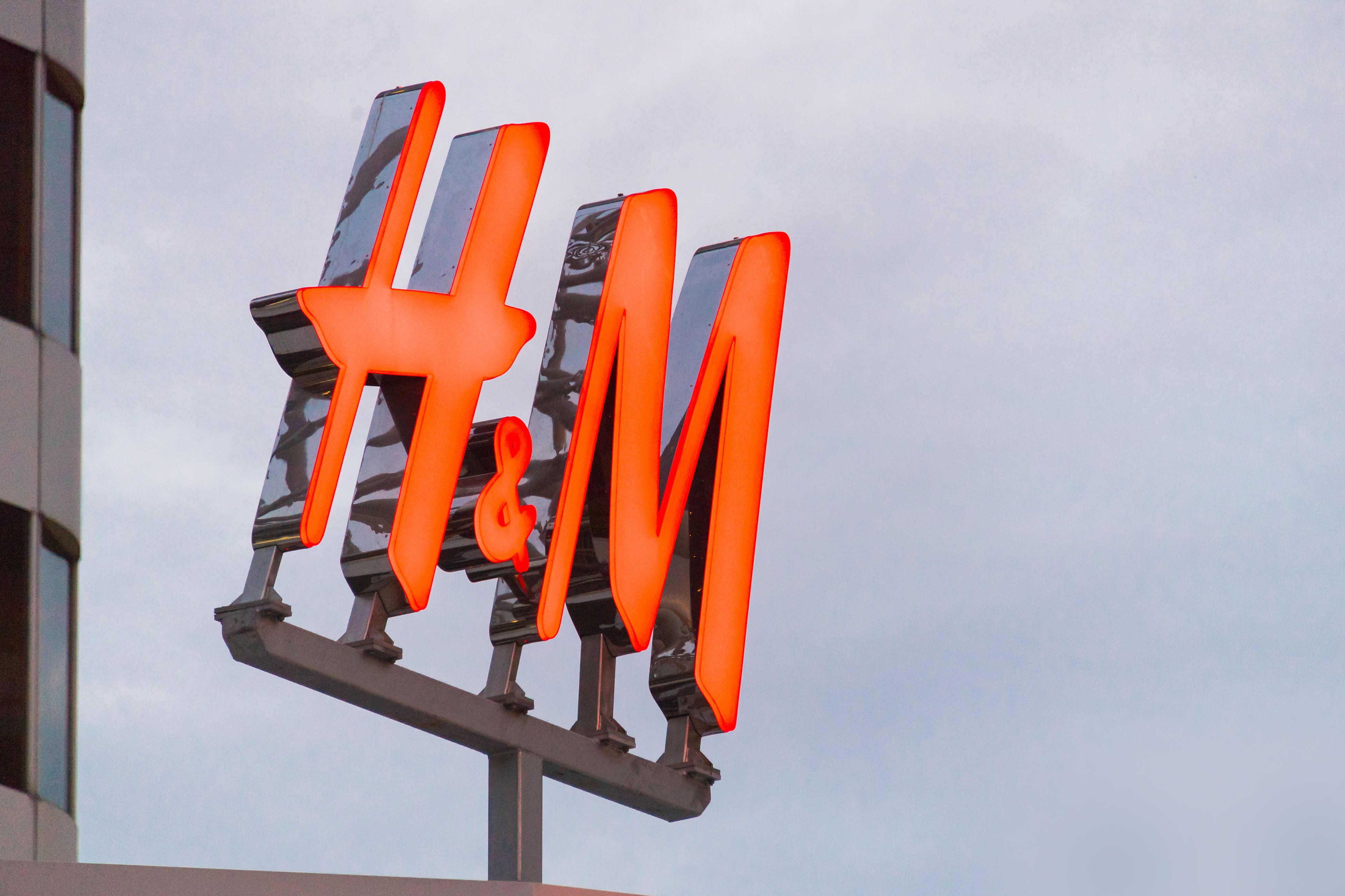 Home Office H&m Before Buying More Clothes At H M Read This Huffpost