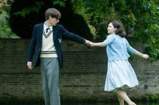 《愛的萬物論》探討的不是「愛與不愛」,而是殘酷現實裡的「能與不能」 – 我們用電影寫日記