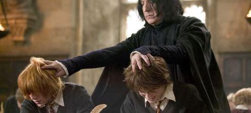 「石內卜對哈利說的第一句話,就預告了《哈利波特》的結局?」原來這句話背後的藏了很深的意義! - 我們用電影寫日記