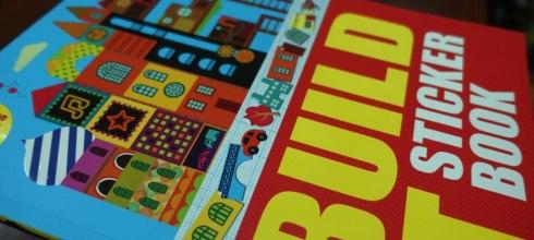 [同大爺貼紙書] 用貼紙堆房子 Build It: Sticker Book |發揮想像力與創造力
