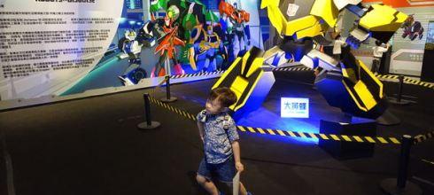 [親子展覽] 讓同大爺看了3次●變形金剛台北特展●家有小男孩都要來看的展~~