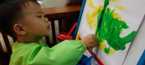 [2y10m]同大爺畫畫工具分享●美國Alex折疊式兒童畫架●根本應該早入手