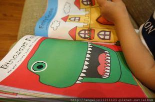 1000張貼紙, 可以貼好久●My Super duper Sticker book●引導小小孩的數字對應
