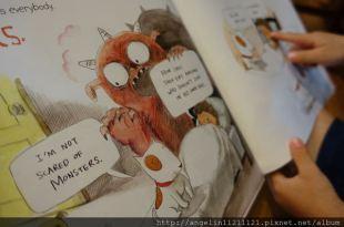 """5顆星親子書櫃必備●The Fun Book of Scary Stuff●適合小小孩的""""不怕恐懼書單"""""""