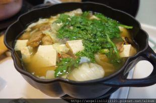 如果想推薦一個鑄鐵鍋●法國Staub的黑色南瓜鍋●炒菜燉湯好萬用