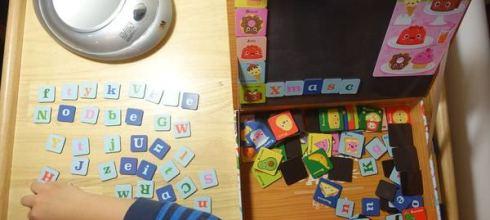 外出居家都好玩的●澳洲TIGER TRIBE創意磁貼遊戲盒●