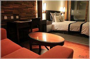 無料(免費)的有馬溫泉Motel,有料的油庫口蚵仔麵線