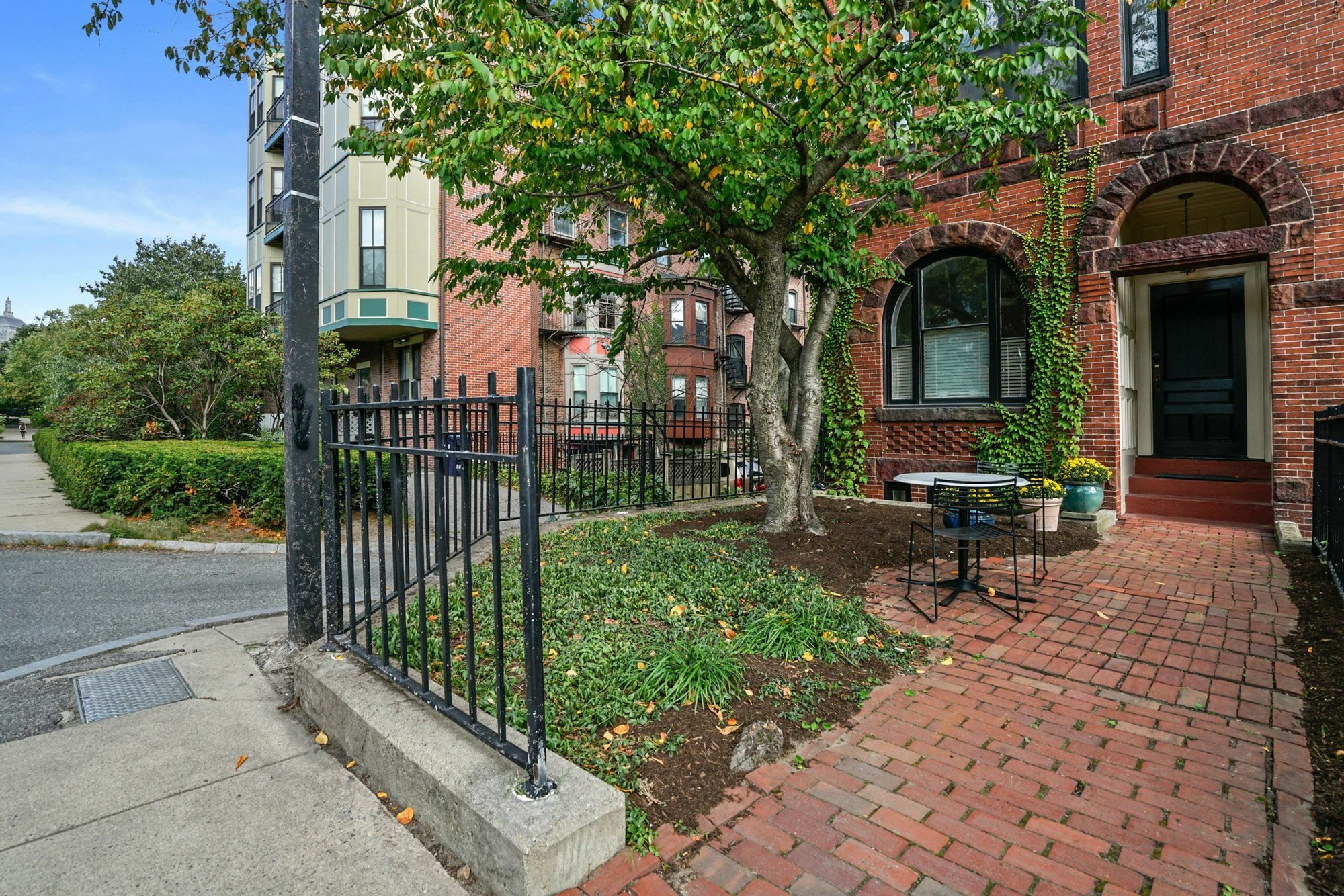 3 Claremont Street In Boston Ma United States Zum