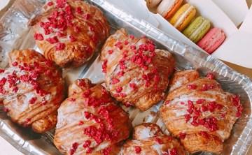 法國巴黎必吃甜點『玫瑰可頌Croissant Ispahan』Pierre Hermé 比 Ladurée馬卡龍更加夢幻迷人的甜點專賣店 ♥ 小Connie愛夢遊。遊記食記
