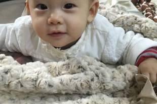 【育兒好物】陪伴寶寶第一件貼身好物~美國Angel n Bella手工毯!